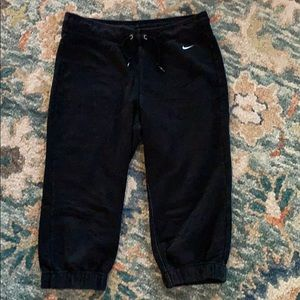 Nike Cropped Sweatpants. Size S.